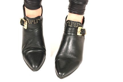 80's black leather ankle boots2 8,5 115$ (etsy)