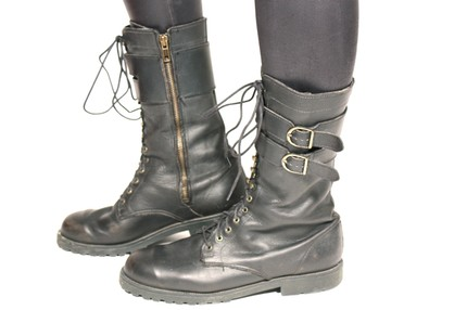 90's tall black leather biker grunge boot 10, 85$ (etsy)