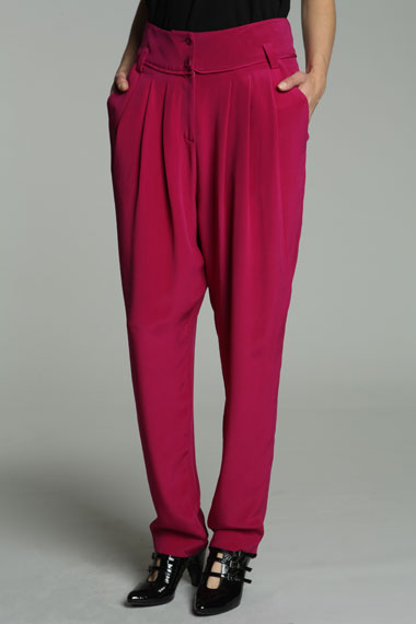 Vanessa Bruno silk crepe trousers 185£ (urbanoutfitters.co.uk)